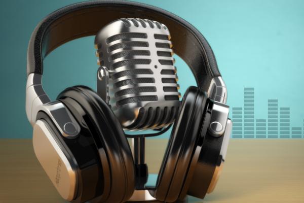 cornerHOUSE RADIO SHORTS